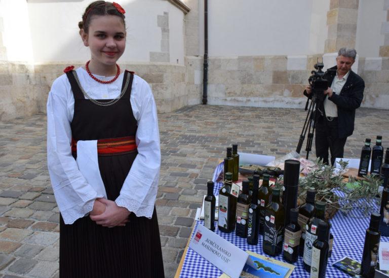 Udruga Maslinara na 1.danu zaštićenih hrvatskih autohtonih proizvoda