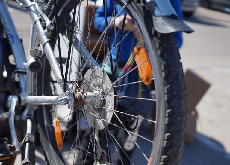 Besplatna biciklopopravljaonica u Veloj Luci