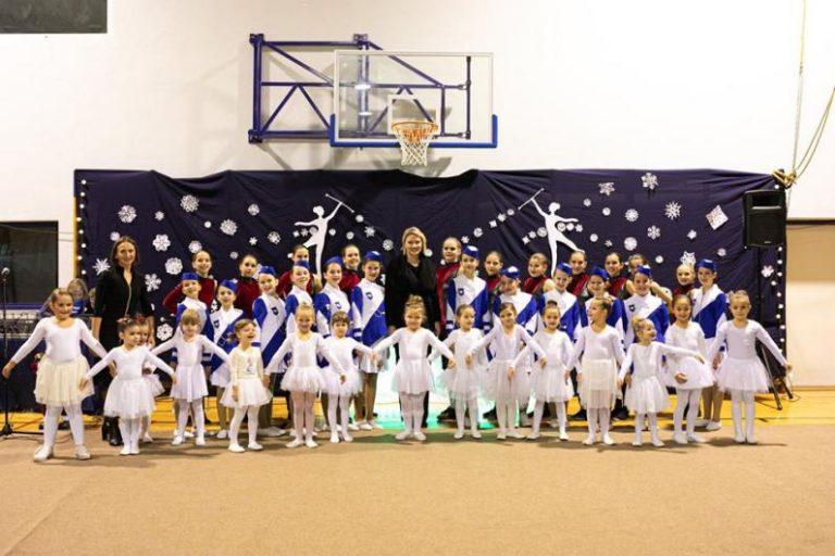 Održan Tradicionalni božićni nastup Veloluških mažoretkinja