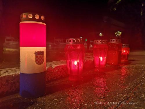 vela luka - paljenje svijeća za vukovar 2