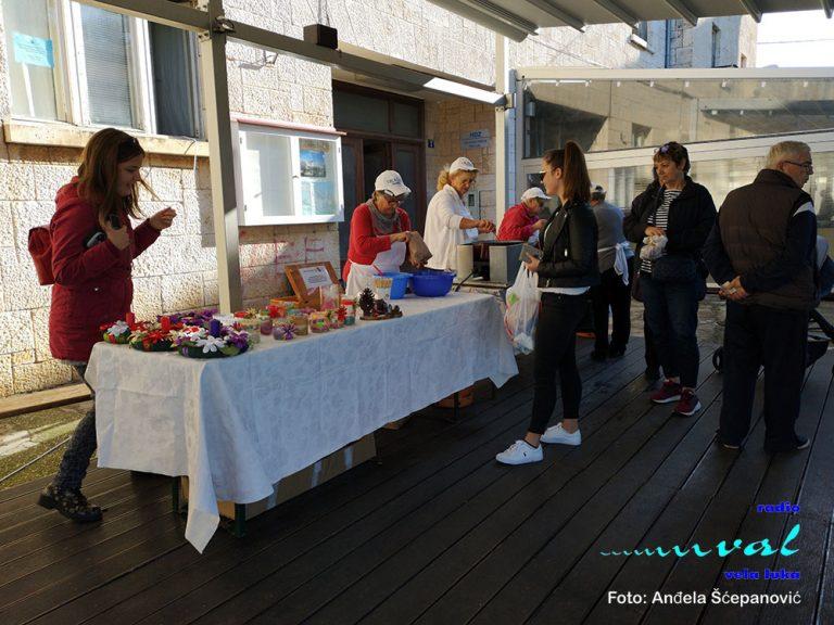 Prvim Adventskim sajmom započeo Advent u Veloj Luci