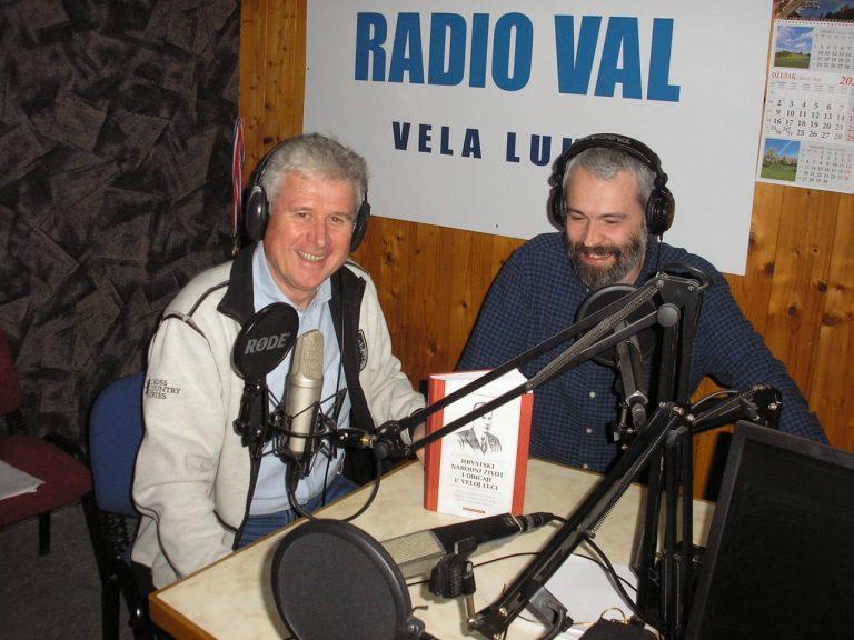 Hrvatski narodni život i običaji u Veloj Luci