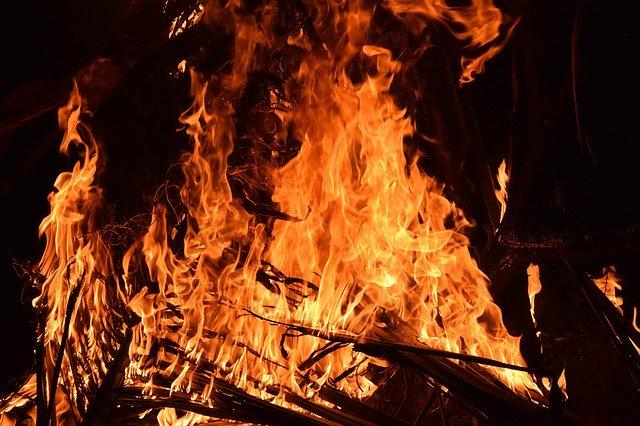 Dozvoljeno paljenje vatre na otvorenom prostoru u vremenu od 29. travnja do 02. svibnja 2020. isključivo uz prethodno odobrenje teritorijalno nadležne javne postrojbe