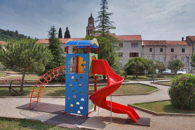 Odluka načelnice Katarine Gugić o korištenju dječjih i sportskih igrališta